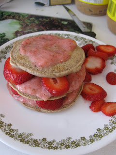 Easy Vegan Pancakes with Fruit Puree