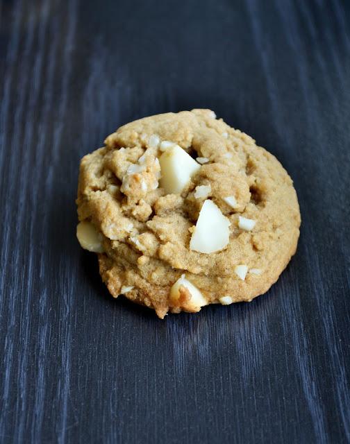 Cinnamon Macadamia Nut Cookies