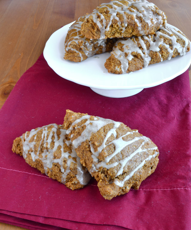 gingerbreadscones01