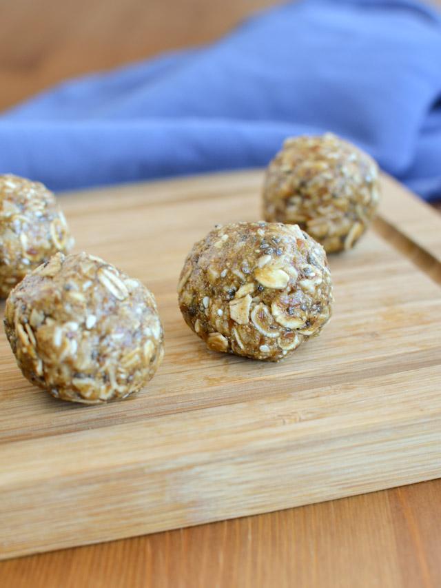 Chewy Oatmeal Energy Bites