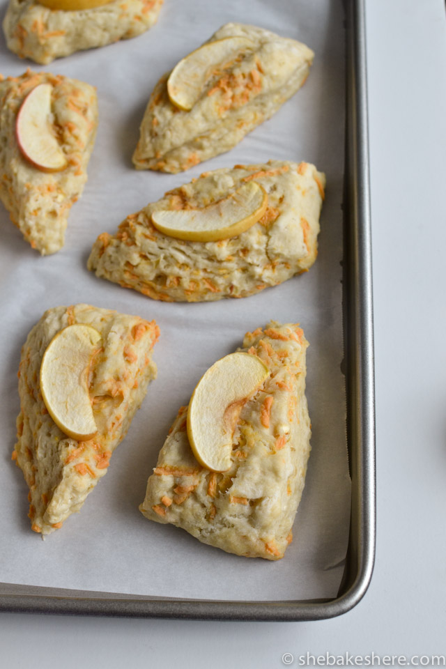 Apple Cheddar Scones 10 scones