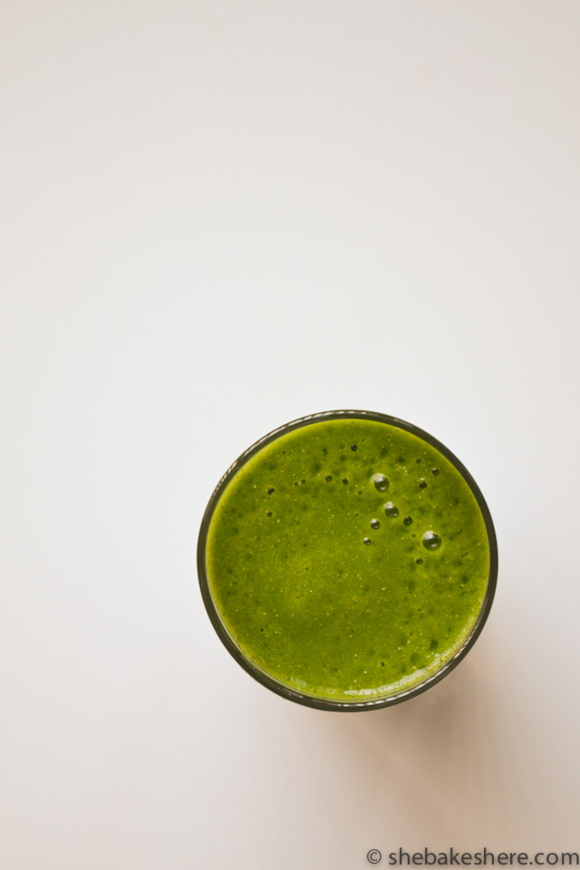 Kale Mango Green Smoothie